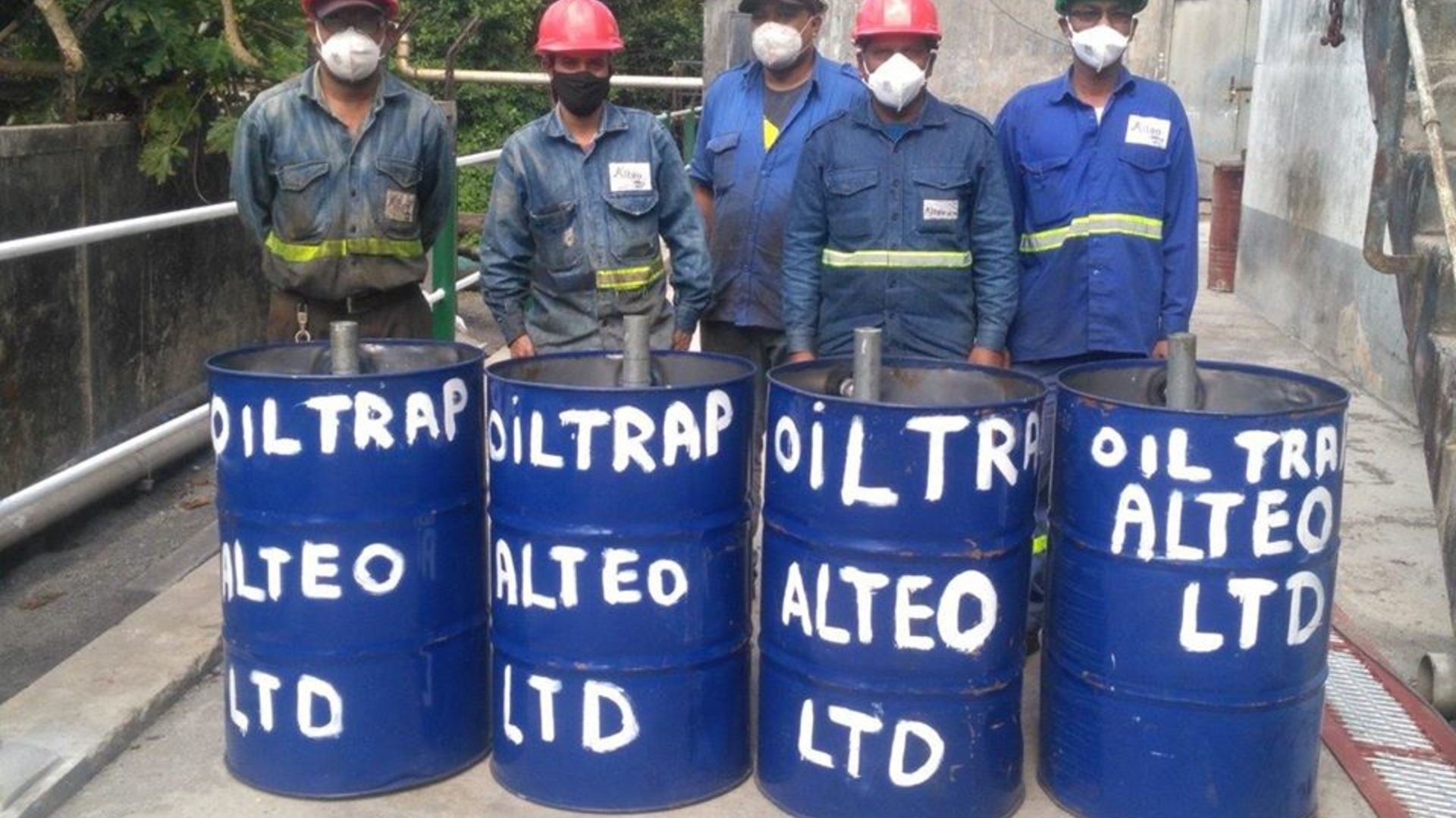 Alteo participates in the national effort to supply cane trash to fight oil spill from the MV Wakashio